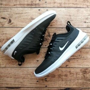 Nike Air Max Axis Men's Running Sneakers